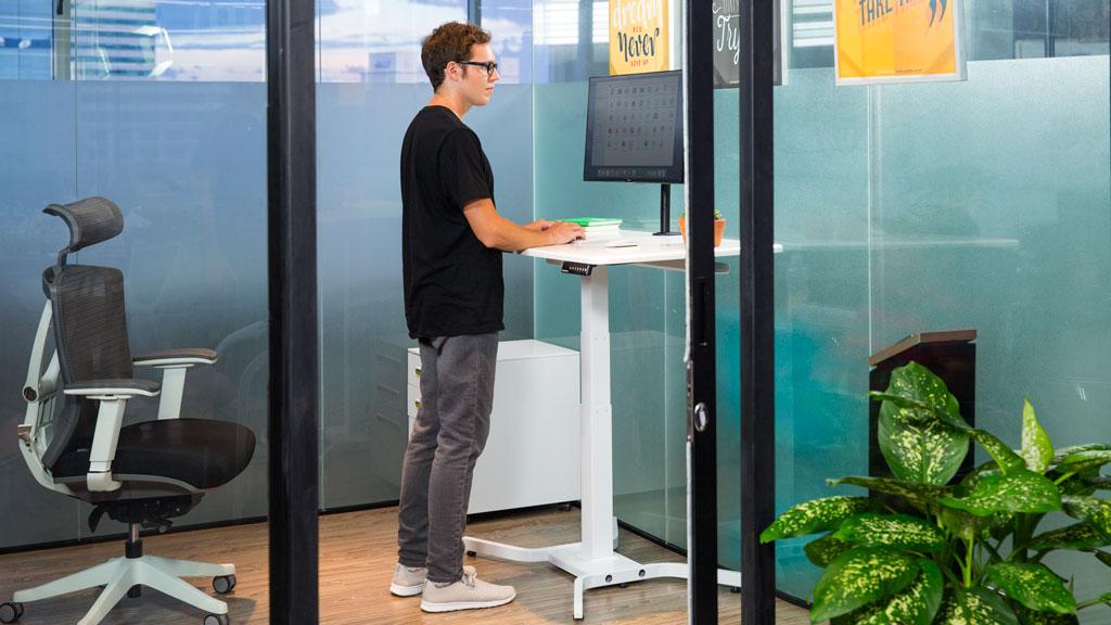 電動升降桌 –  單腳連桌面