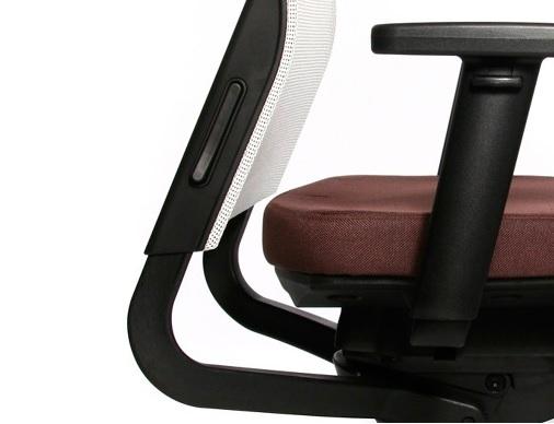 可調整椅背高度